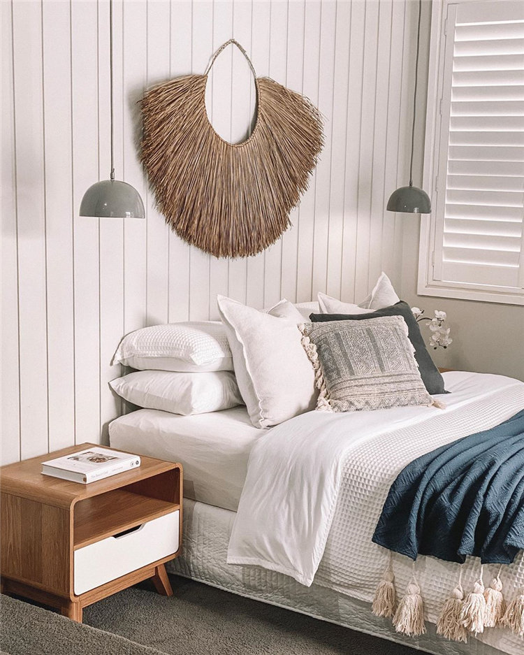 Small bedroom decor ideas space saving, include modern design, rustic ideas and more. If you want to try small bedroom decor, you can browse our website from time to time. #bedroomdecor #smallbedroom #bedroomideas #homedecor