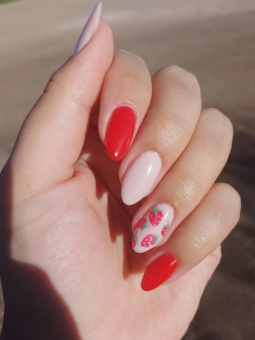 Longing for summer nails designs? Today we have 35 fruit nails to show you. fruit nail designs look so cute and pretty that you can try different design. This manicure is perfect for the summer. #fruitnails #nailsdesigns #summernails #nailideas