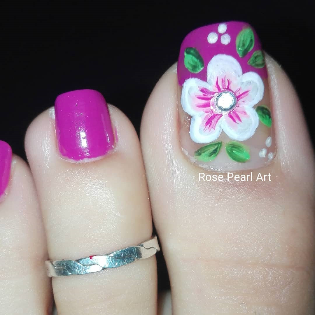 Longing for toe nail art desigs?  Which toe nail colors looks more fashion? Today we have 50 cute toe nail art ideas for summer. you will find the best toe nail art design and color. #toenails #summernails #nailideas