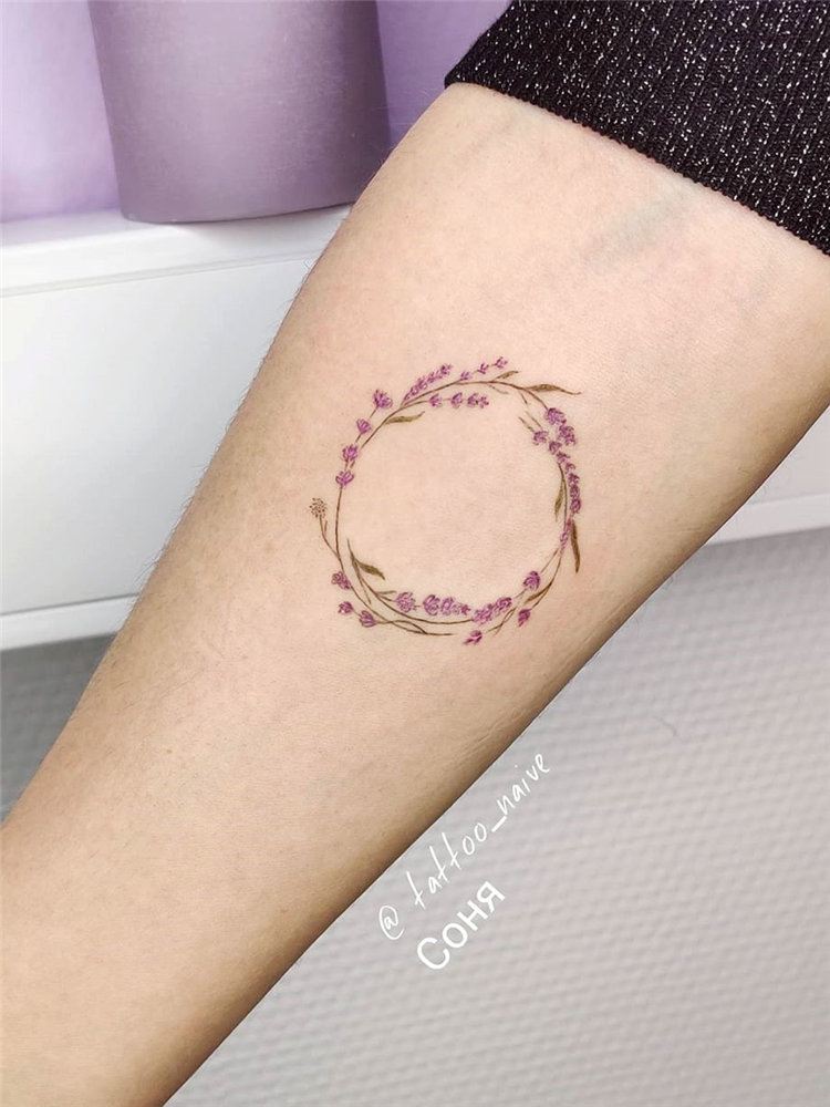 Simple lavender tattoo design ideas on arm, ankle, ribs and and more. If you want to creat lavender tattoo, you can browse our website from time to time. #tattooideas #flowertattoos #lavendertattoo