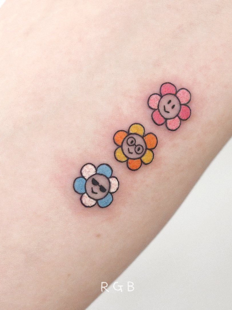 Longing for a small tattoos for women? Today we have 40 small tattoo ideas to show you. Small tattoos are our choice because they are stylish, cute and can be desinged as you like. #smalltattoos #small tattoosforwomen #tattooideas #tinytattoo